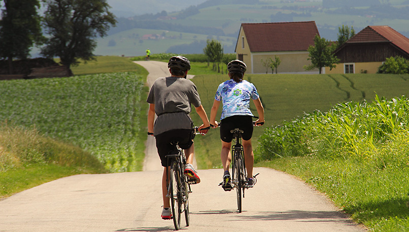 Bzaqf-czechrepublic-biking-1